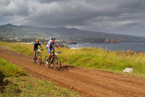 Tiago Ferreira e Susana Alonso triunfam nos Açores