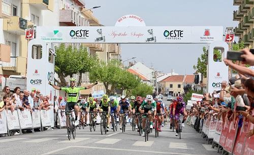 Enrique Sanz triunfa ao sprint
