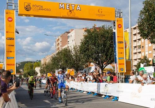 Francisco Campos impõe-se ao sprint