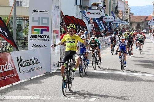 Antonio Angulo triunfa em Vouzela e reforça liderança no GP Abimota