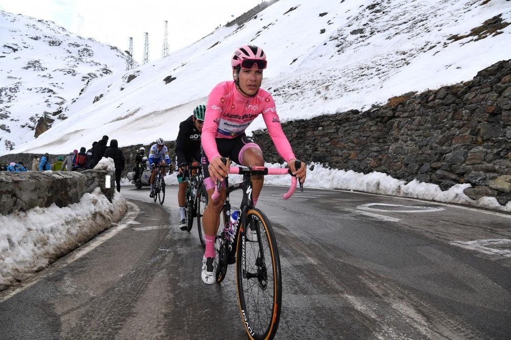 João Almeida entre os melhores na etapa-rainha do Giro