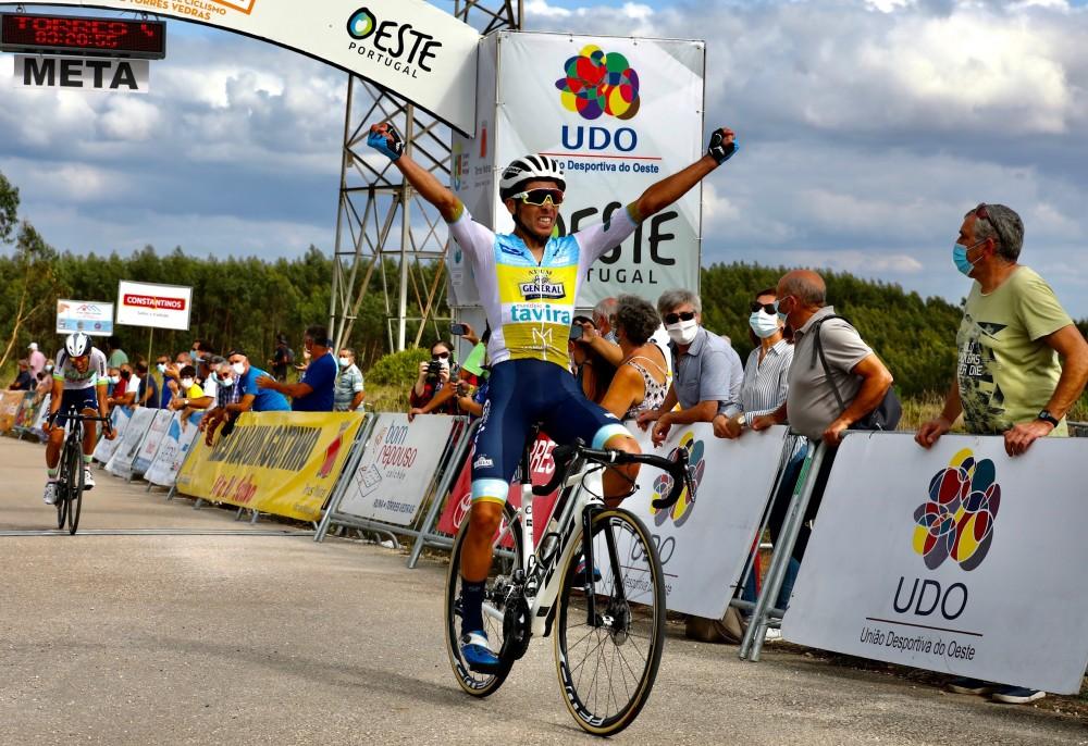 Frederico Figueiredo ganha etapa e conquista a camisola amarela