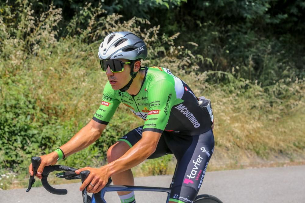 Iuri Leitão impõe-se ao sprint em Miranda do Douro