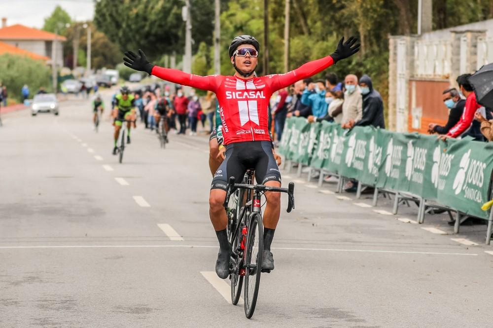 Francisco Marques vence sprint dos fugitivos