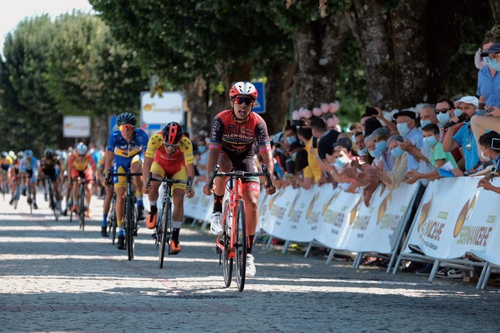 João Nunes conquista título de campeão nacional de fundo de cadetes ao sprint