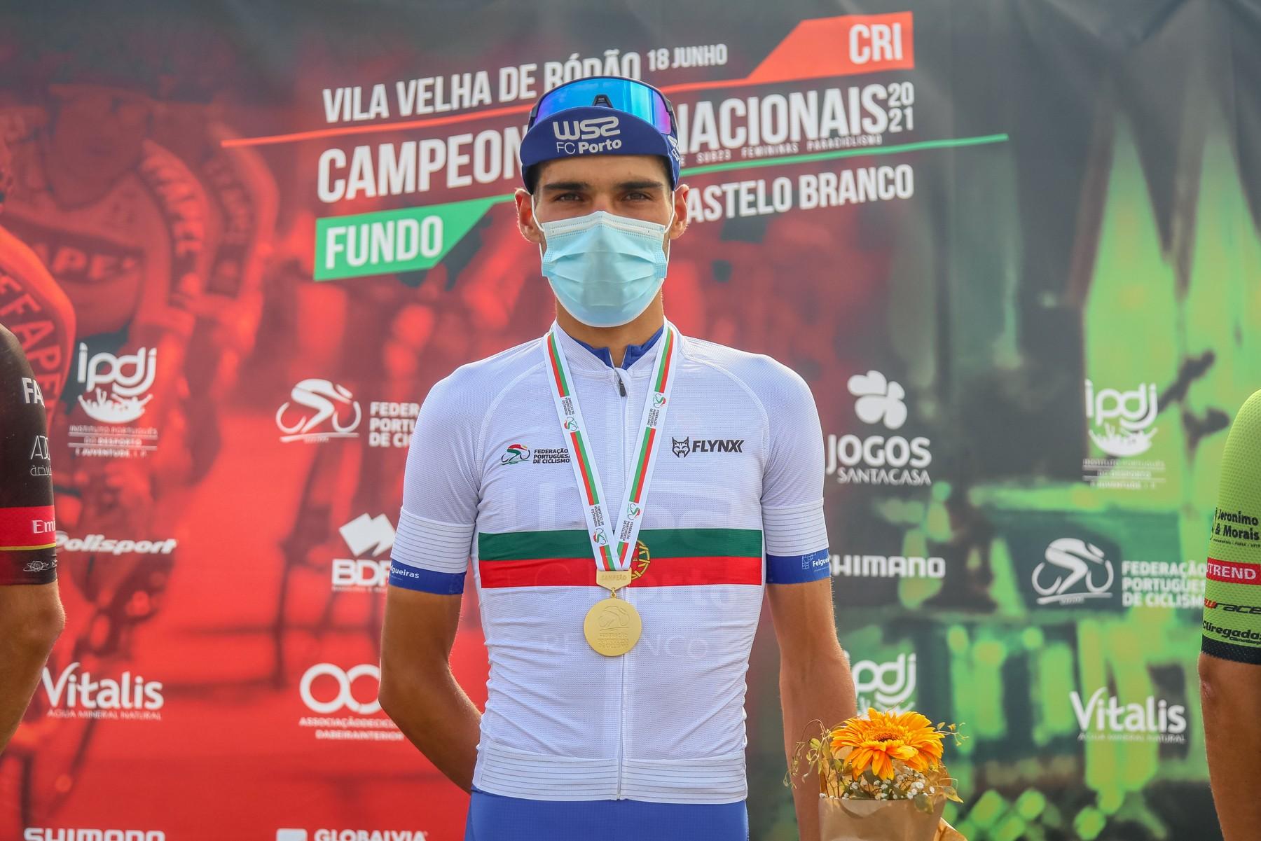 José Neves campeão nacional de fundo após demonstração de força